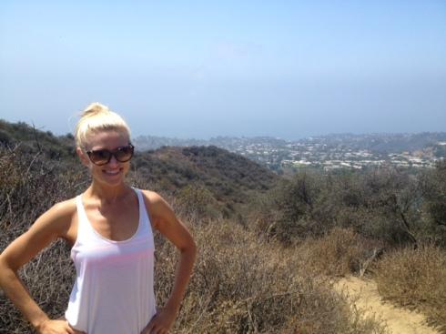 hike 3 waist up